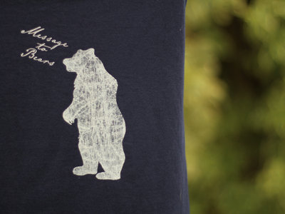Women's slim-fit tee, standing bear design. (Various colours) main photo