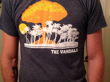 Vandals Atomic Paradise Shirt (super softy) main photo