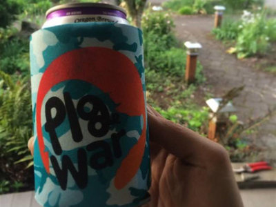 pigWar beer koozie main photo