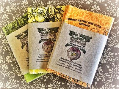 Formidable Veg WaxiWrap™ reusable wax food-wrapper main photo