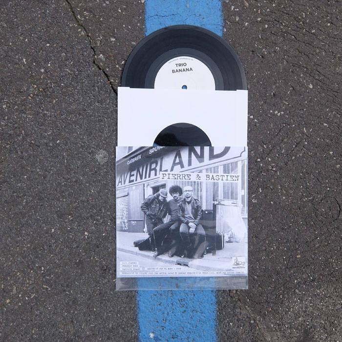 "7"" split with Pierre & Bastien cover art"