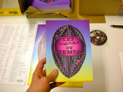 Package including a comic book, a drawing book and a poster by Sammy Stein, and a CD compilation main photo