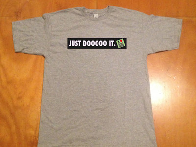 """JUST DOOOOO IT."" T-Shirt Athletic Heather Grey + FREE iLGGL episodes 1-10 & Q&A episode main photo"