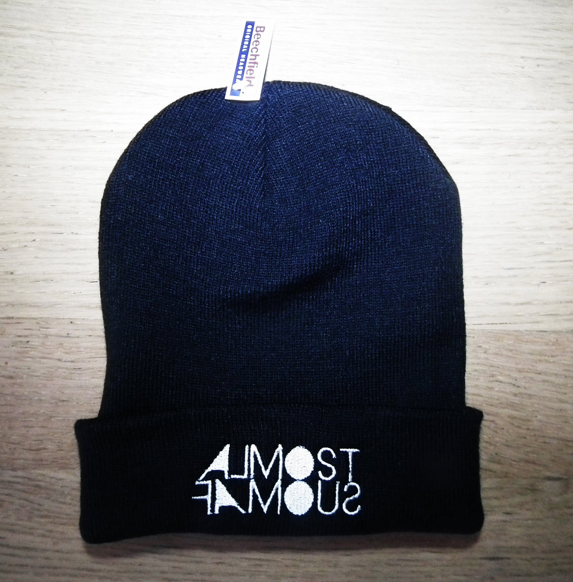 Almost Famous  Beanie Hat main photo.   01debee02d9