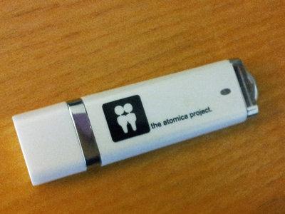 """Discography"" 1GB USB drive main photo"