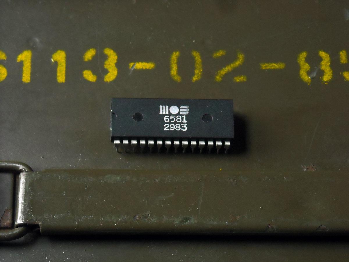 Commodore/MOS SID chip - 6581 | Radiograffiti