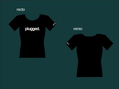 T-shirt PLUGGED girl main photo