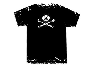 'Eye & Crossbones' t-shirt main photo