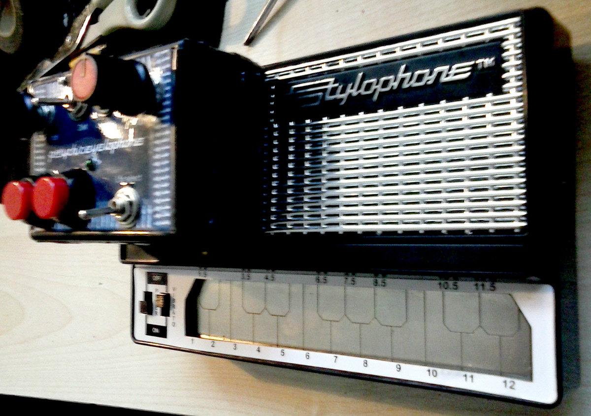 Psychiceyelophone Circuit Bent Stylophone Doubledgescissor Furbycircuitbendingjpg Photo