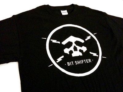Bit Shifter t-shirt • skull & electrical bolts emblem main photo