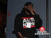 Run AntiIndustry Hoody photo