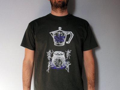 "T-Shirt ""Ammazzacaffè"" uomo White + Purple su carbone main photo"