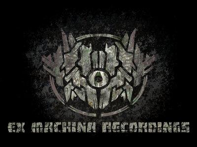 T-Shirt - Predator (Ex Machina Logo) main photo