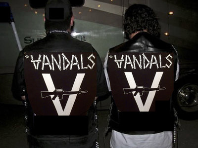 "Vandals Official  ""V-Gun"" Back Patch main photo"