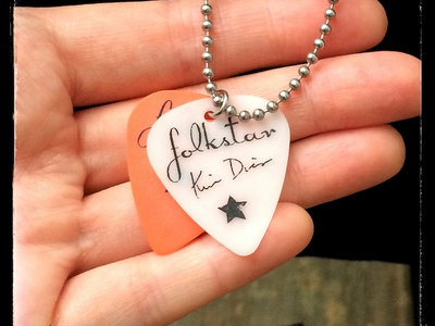Folkstar Custom Guitar Pick Necklace main photo