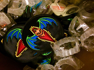 """Bat O' Lantern"" Classic Embroidered 3"" Circle Patch main photo"