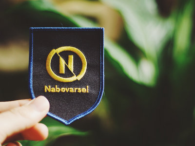 Awesome Nabovarsel Badge main photo