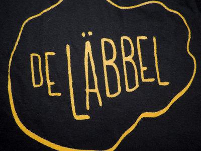De Läbbel yellow logo shirt main photo