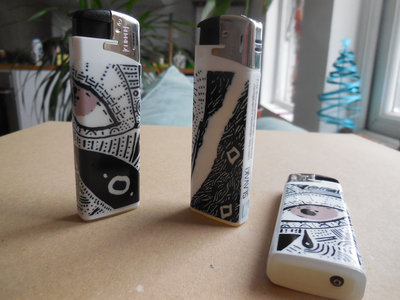 "Lighter Featuring ""Slavaki - Daydreaming"" Album Artwork (free when buying 2+ items) main photo"