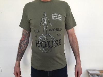 'The World Is My House' 'I lumia Mo kher' T-Shirt Grey Green main photo
