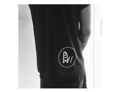 - UNISEX SIZE L - Black T-shirt-white logo // main photo