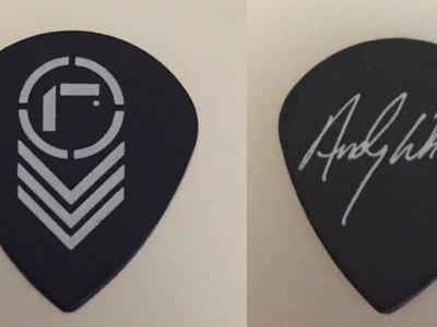 Signature Guitar Pick - Andy Whitten main photo