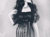 Scarlet & Noir photo