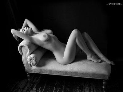 Jet Noir Art Nude 001 main photo