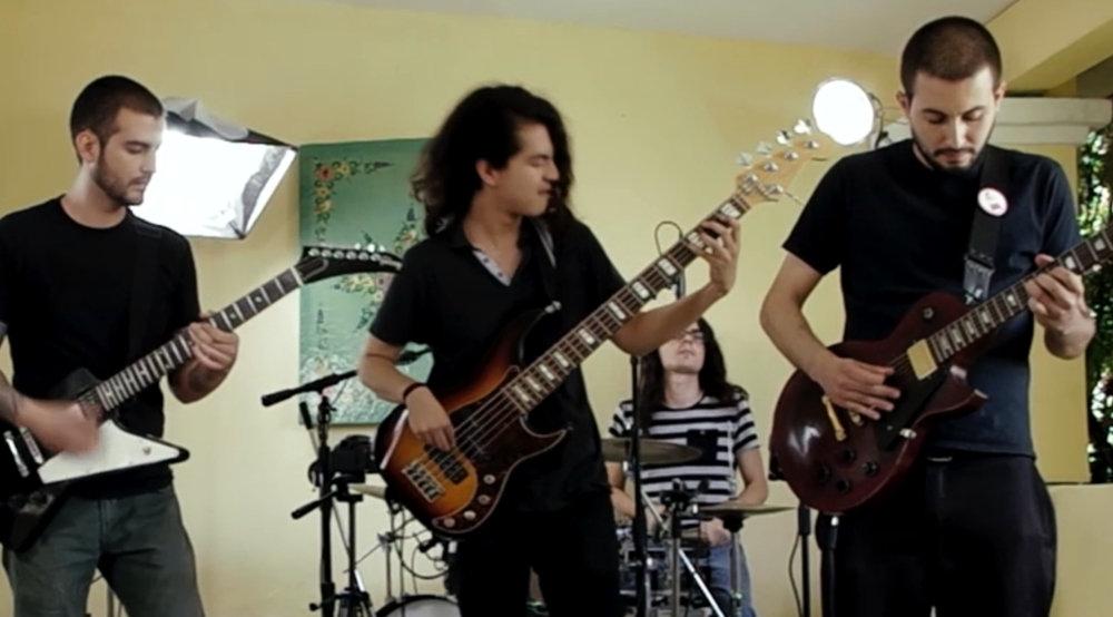 Love Trophies (Backyard Sessions) | Los Villanos Blues Band