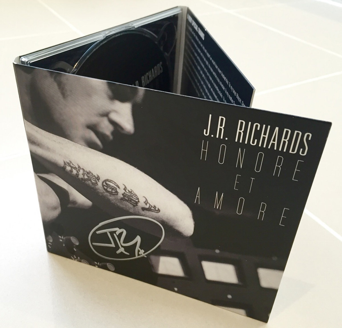 Honore et Amore | JR Richards