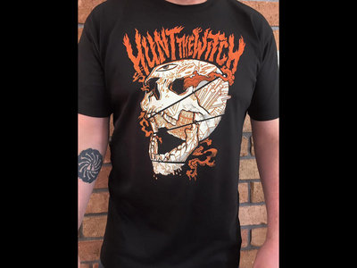 HUNT THE WITCH 'Skull' Tee main photo
