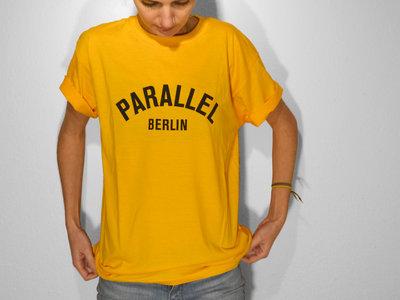 T-Shirt _ Gold (unisex) main photo