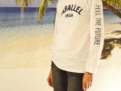 Longsleeve _ White _ Feel The Future (unisex) / LIMITED EDITION main photo