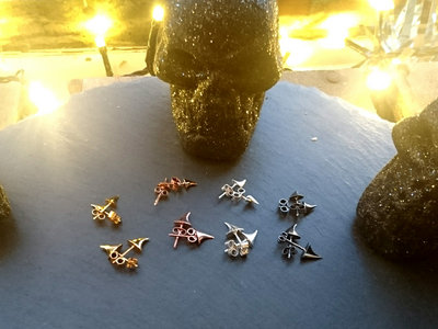 Every Rose has its Thorn BRONZE Stud Earring - Small Single *Robyn Chaos Jewellery* main photo