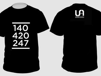 140 - 420 - 247 T shirt main photo