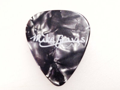Black Pearl Guitar Pick (set of 2) main photo