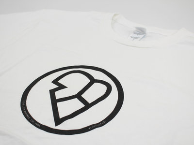 White T-shirt Classic Design - LOVCLOTH01 main photo