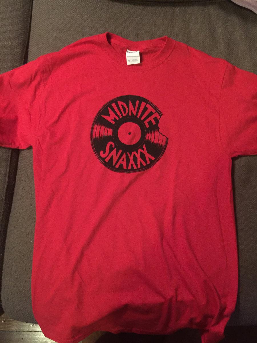 T shirt design red - Red Vinyl Bite T Shirt Design Main Photo