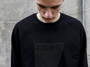 Sweater - The Square - Black On Black main photo