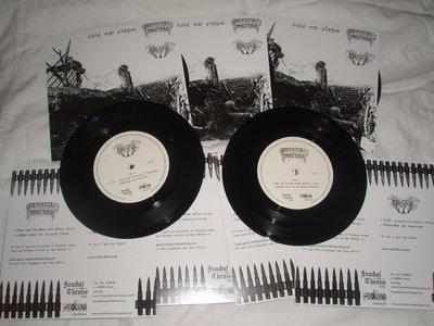 "Moloch / Persistence in mourning - split 7"" vinyl main photo"