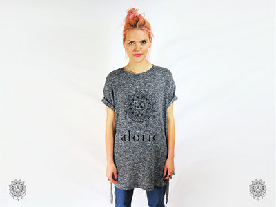 'ALORIC' Longline Belted Grey t-shirt // Unisex main photo