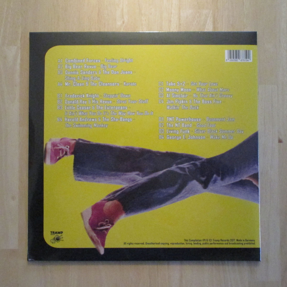Basement jam tramp rec gatefold cover contains detailed liner notes unseen photographs and scans of particular 45rpm single labels brandnew and factory sealed ccuart Images