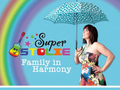 Family in Harmony (Piano/Guitar/Vocal) main photo