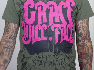 """DIY To Stay Alive"" T-Shirt (Green) main photo"