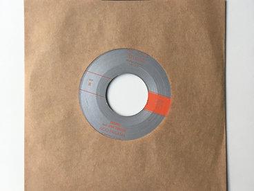 "7"" Vinyl, 45 rpm main photo"