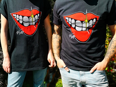 Limited-edition Smile T-shirt main photo