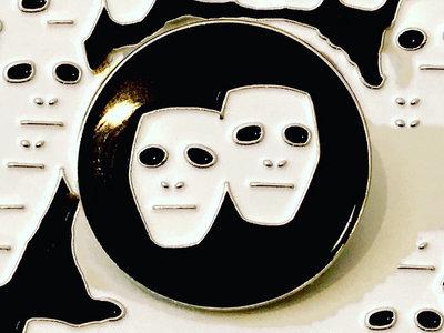 Double Mask Pin main photo
