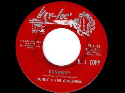 RUNAWAY - SUNNY & THE SUNLINERS - NM main photo