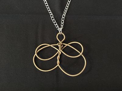 """Infinity's Golden Heart"" Celtic Heartstring main photo"