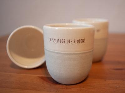 Gobelet à café artisanal / Hand made Coffee Mug «La solitude des flocons» main photo